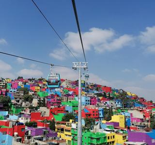 Kabinenbahn Cablebus 2 in Mexiko-Stadt startbereit