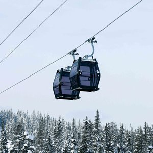 Reversible gondola ropeways
