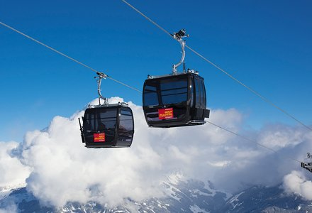 Detachable gondola lifts
