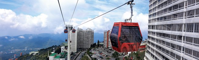 Let LEITNER ropeways take you to the world's largest hotel